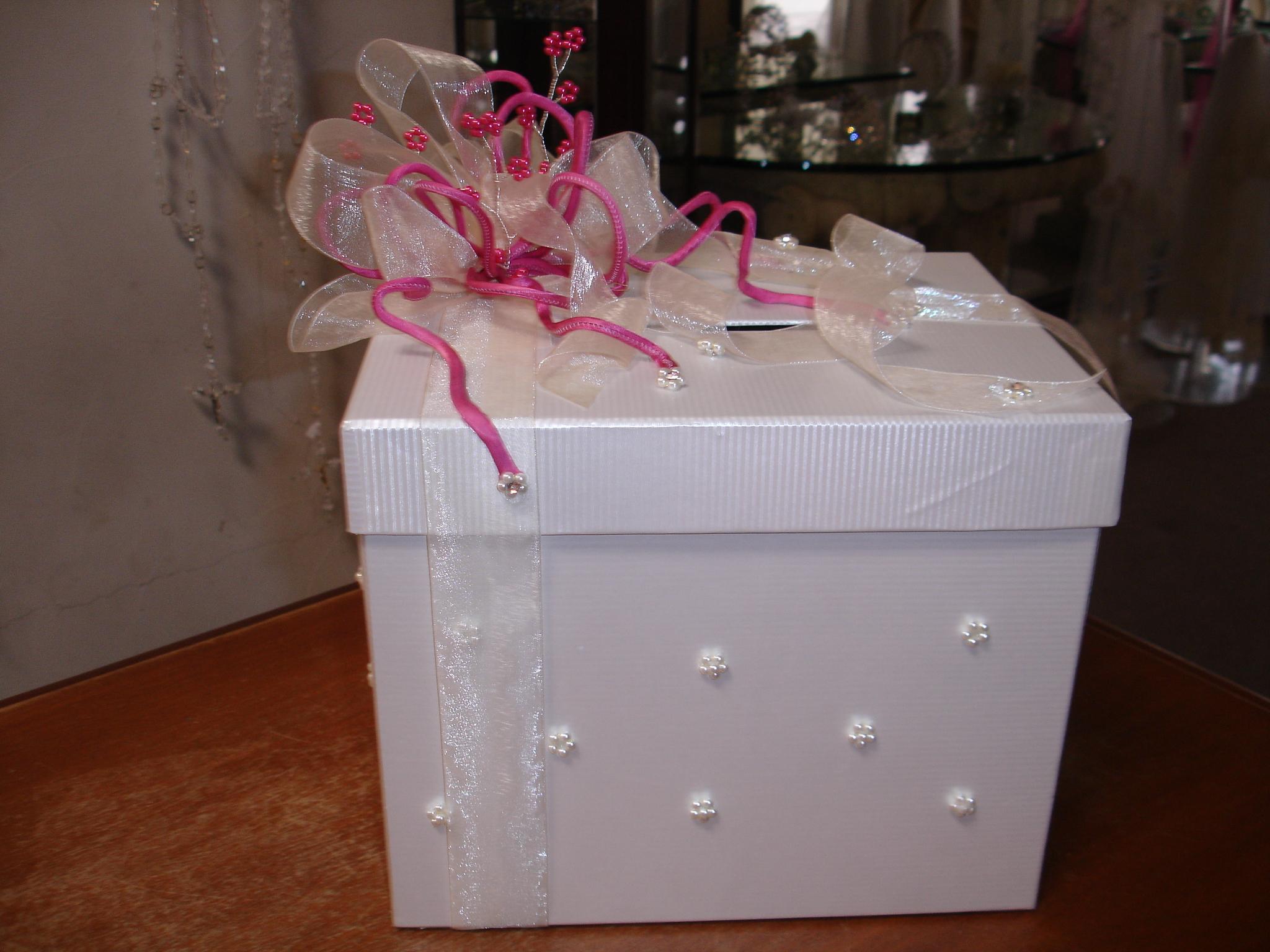 caja para sobres color ivory con fiusha